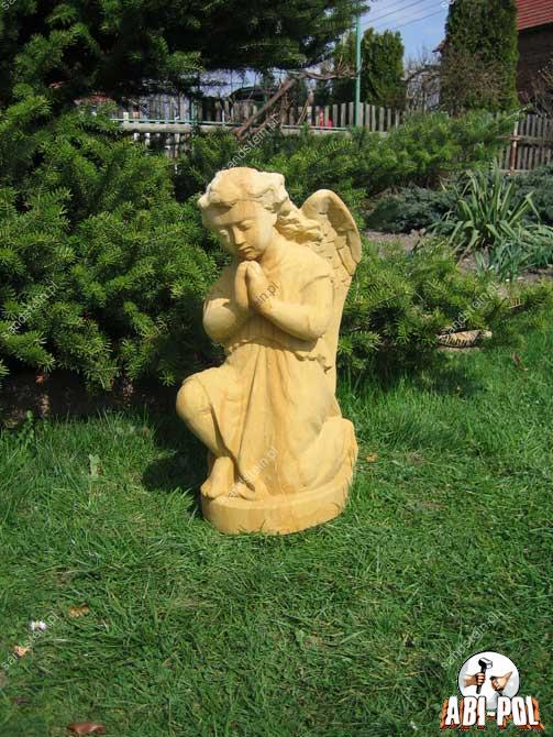 Engel aus sandstein for Figuren aus sandstein